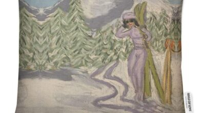 Lady with Skis in the Italian Alps Luxury Cushion. - Square 50cm (20) / Soft Velvet / Feather