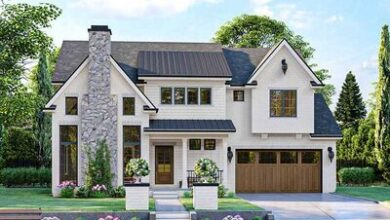 3-Bed Modern Cottage House Plan with 2-Story Foyer and Family Room