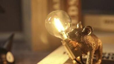 Coco - Sneaky Golden Mouse Rustic Resin Table Lamp - Creeping