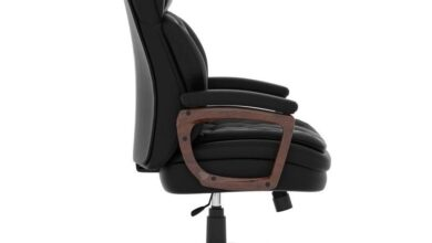 Executive High Back, Tufted Seat and Back with Plastic Wooden Arms and Base