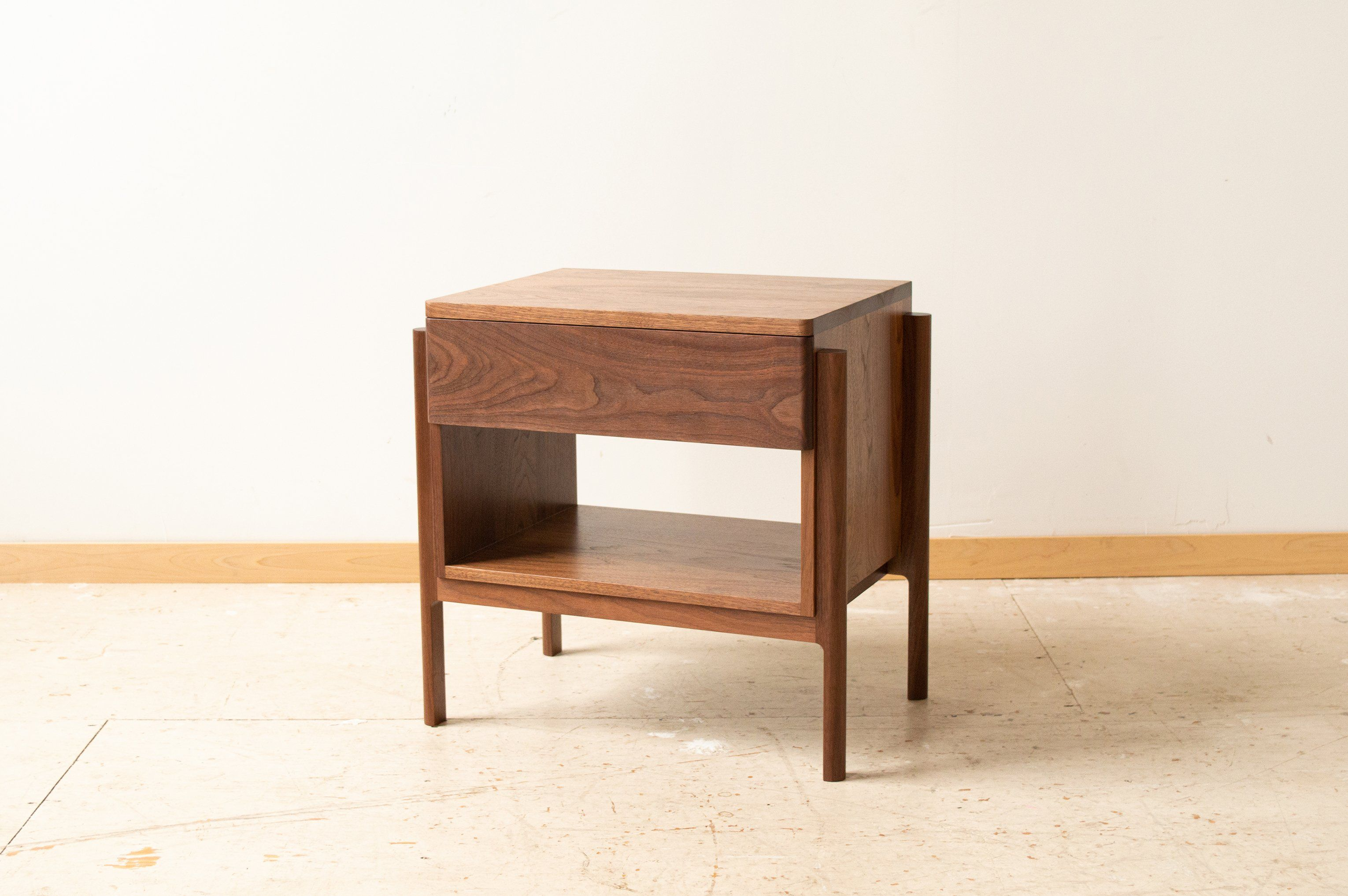 Henrik Nightstand | side table with a drawer - walnut