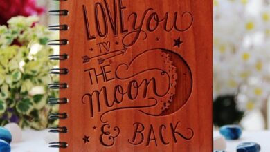 I love you to the moon and back - Personalized Wooden Notebook - Regular / Mahogany
