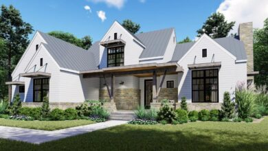 Plan 16905WG: Remarkable 4-Bed Modern Farmhouse with First-Floor Master and Outdoor Lanai