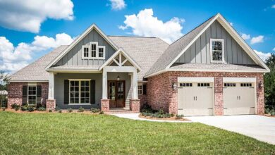 Plan 51750HZ: 4 Bed Craftsman with Open Concept Living Space and Bonus Room